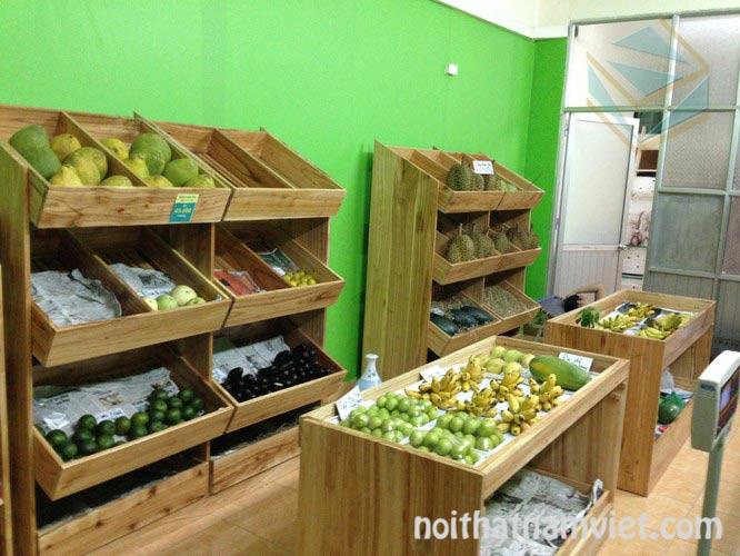 Kệ gỗ trưng bày cửa hàng trái cây