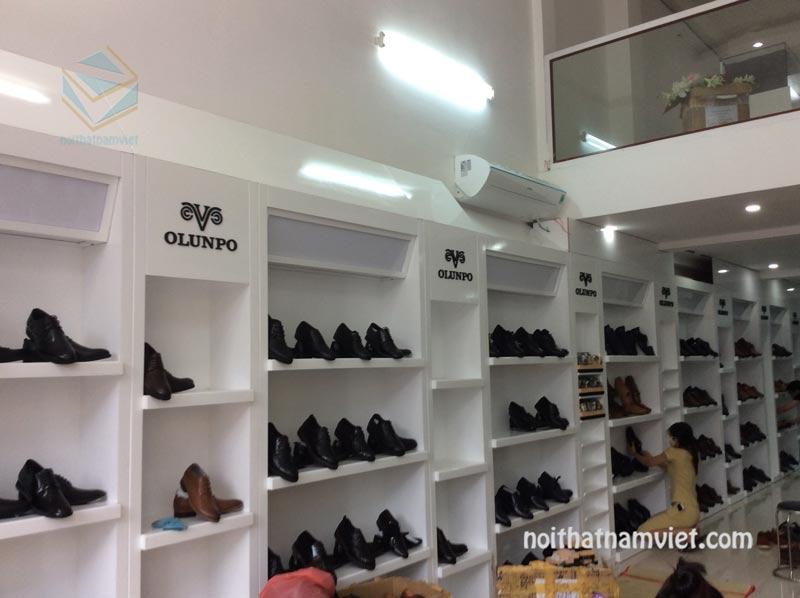 tủ kệ trưng bày giày dép
