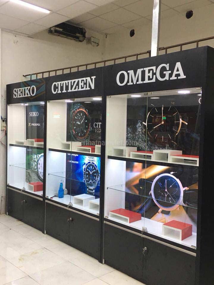 Thi công tủ kệ trưng bày shop đồng hồ