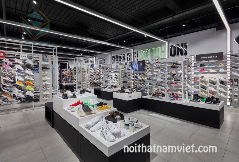 thiết kế cửa hàng giày thể thao đẹp
