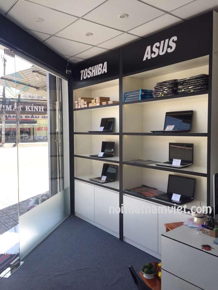 kệ trưng bày laptop máy tính