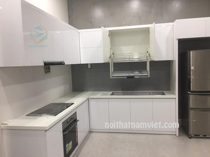 Tủ bếp gỗ acrylic màu trắng đẹp
