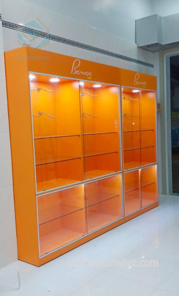 Thiết kế thi công tủ kệ trưng bày shop thời trang