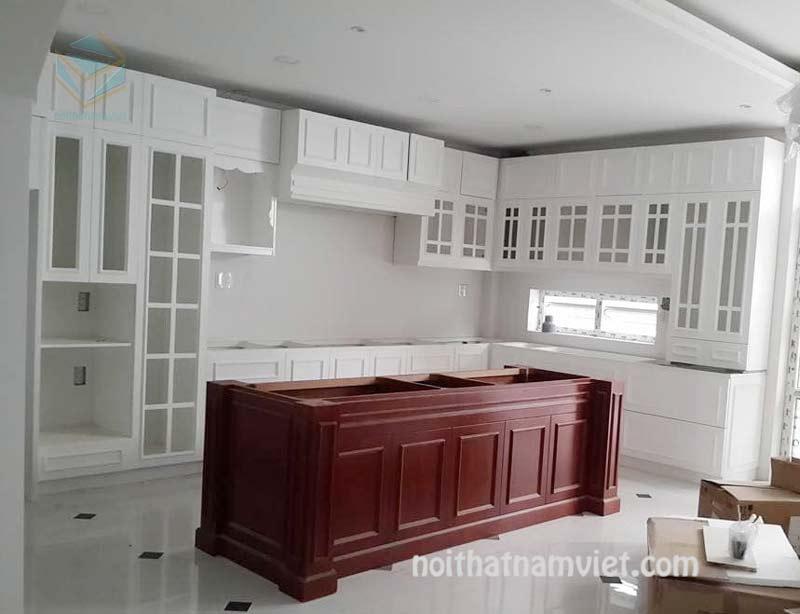 tủ bếp gỗ sồi sơn trắng